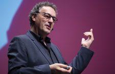 Gerd Leonhard: «Debemos proteger aquello que nos hace sustancialmente humanos. No encontraremos la felicidad en la pantalla o en la nube»